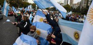 Lee más sobre el artículo «Defendamos lo que los ARGENTINOS ansiamos para nosotros, para nuestras familias y para los que vienen detrás nuestro»